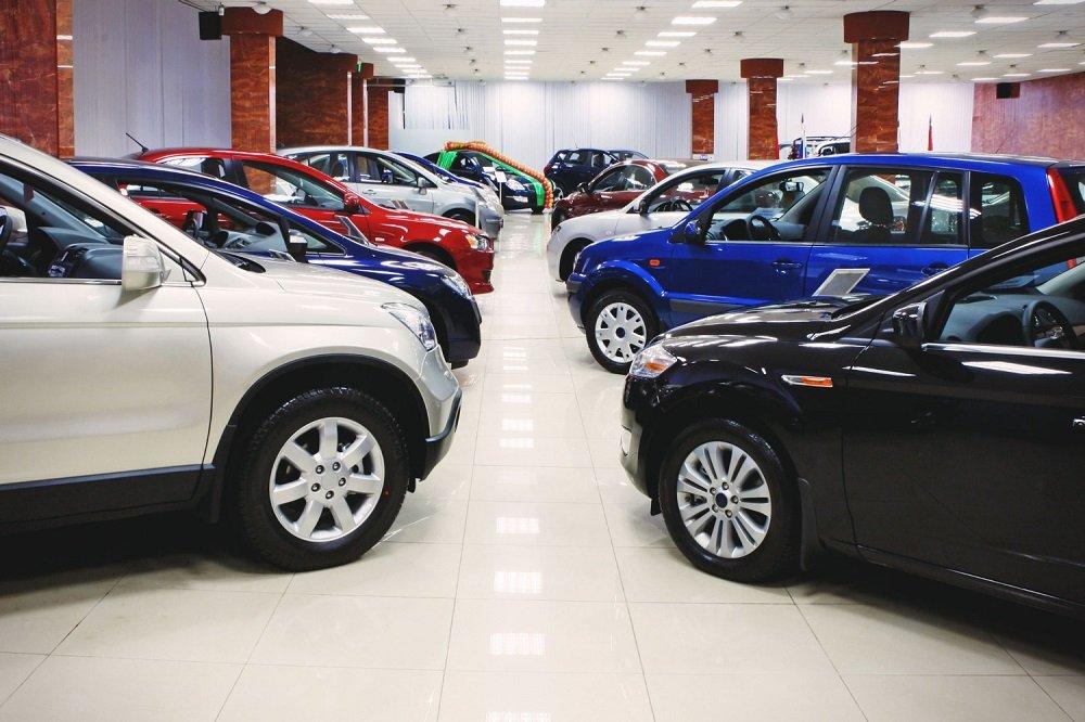 купить авто в москве новые в автосалонах прицепов